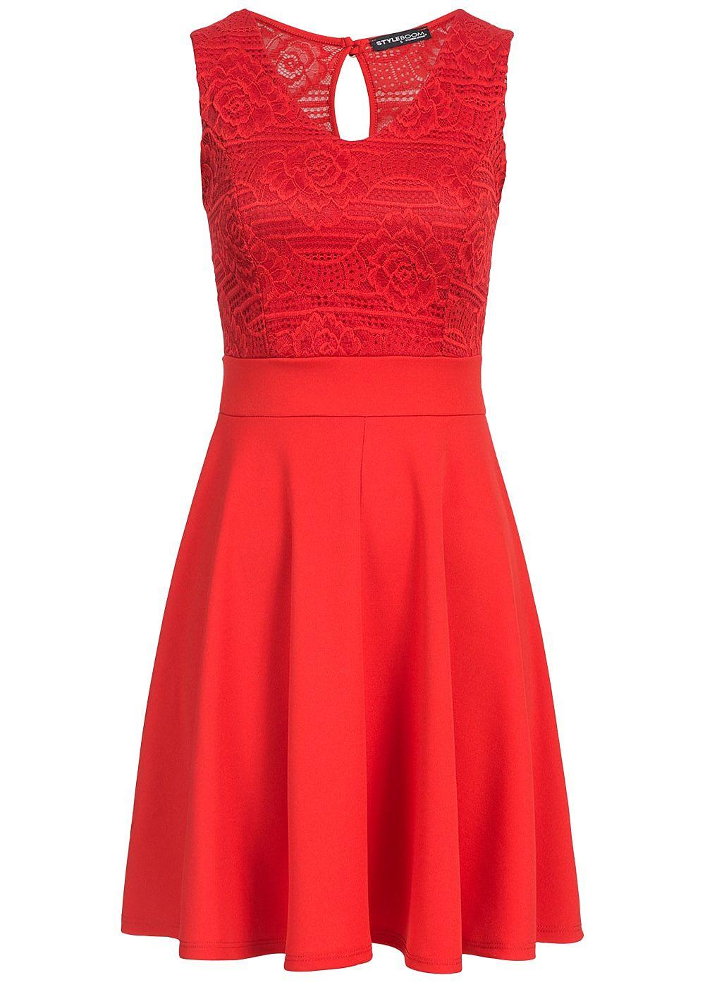 COLLUSION – Figurbetontes Kleid mit hinten überkreuzten Trägern. 16,99 €.