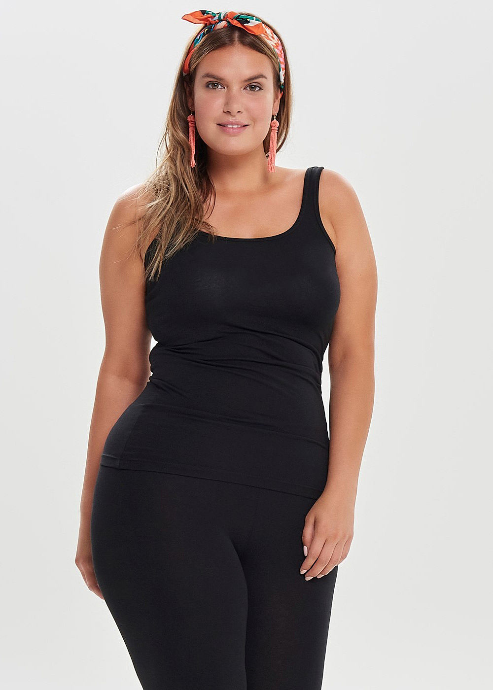 ONLY Carmakoma Damen Curvy Basic Tank Top schwarz - Art.-Nr.: 19031171-54-BK