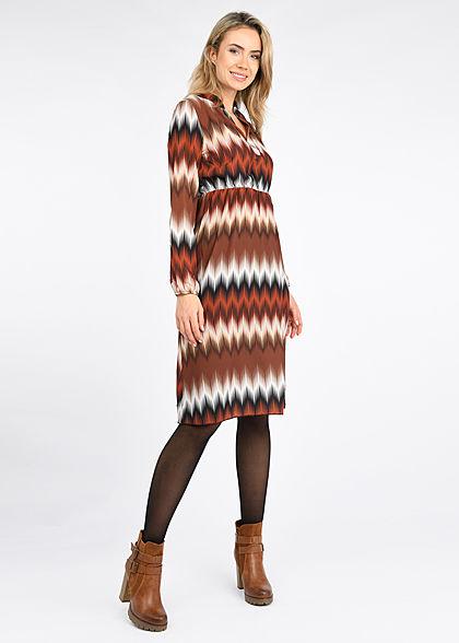 Styleboom Fashion Damen V-Neck Kleid Zick Zack Print braun multicolor