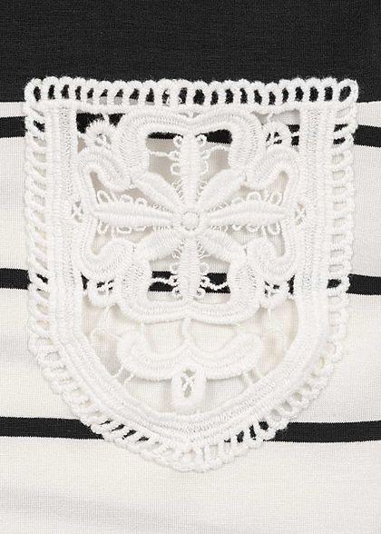 Styleboom Fashion Damen T-Shirt Streifen Muster Häkeltasche schwarz weiss