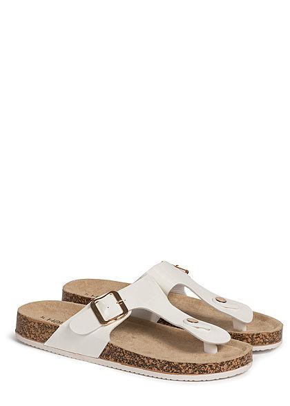 Hailys Damen Schuh Sandale mit Schnalle Kunstleder Glanz Optik Zehensteg weiss