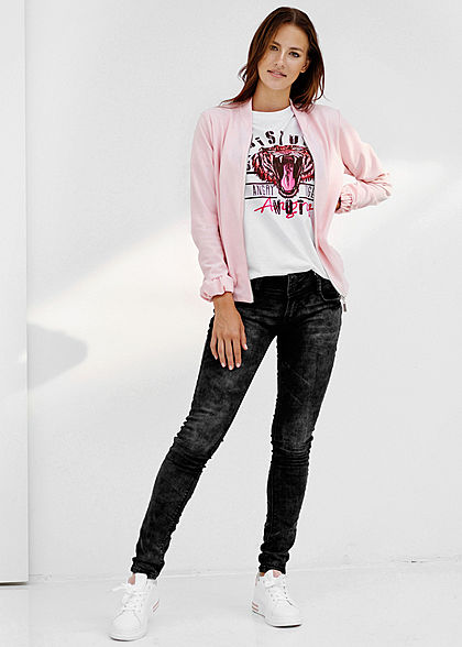 Styleboom Fashion Damen T-Shirt Angry Tiger Print weiss