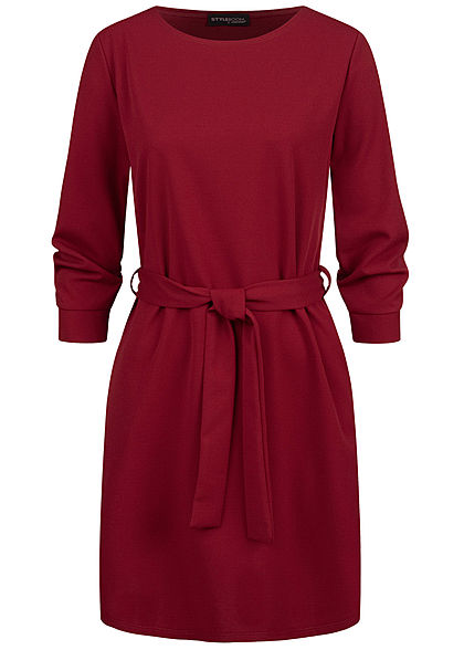 Styleboom Fashion Damen 3/4 Arm Mini Kleid mit Bindegürtel maroon rot